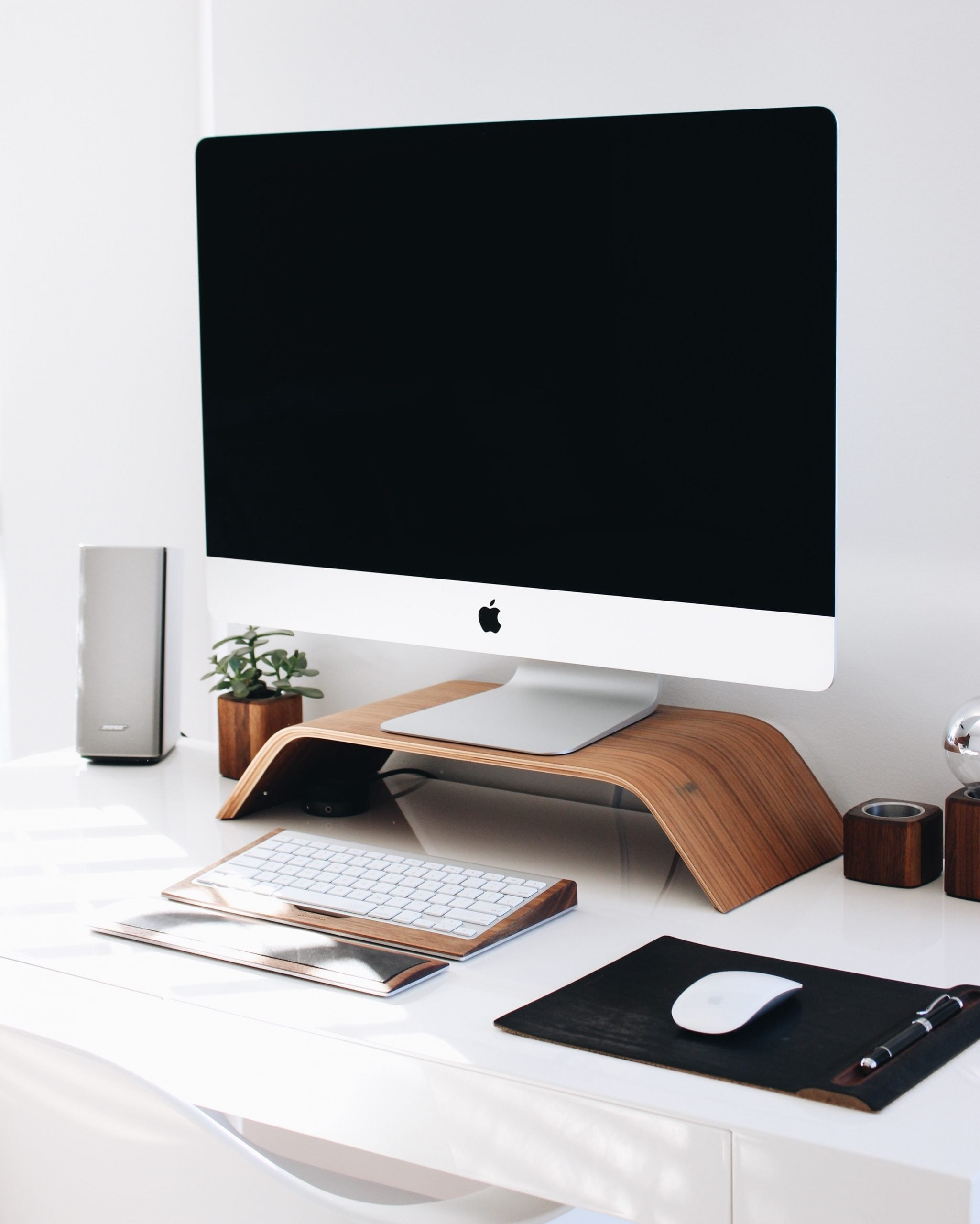 desk with imac